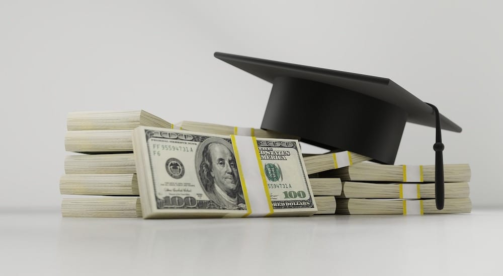 Scholarship Websites: Going to College Without Breaking the Bank