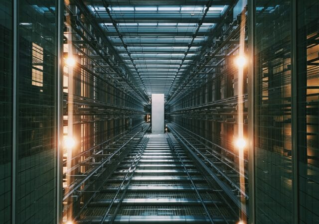 Google Cloud vs AWS: Comparing the Two Cloud-Based Computing Service Giants